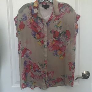 Flowery sheer shirt by Jeans by Buffalo Large